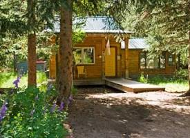 RIVER Hideout Cabin
